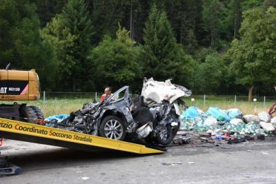 20160726-1200-incidente-a2-camion-auto-piotta-DSC-0384.jpg