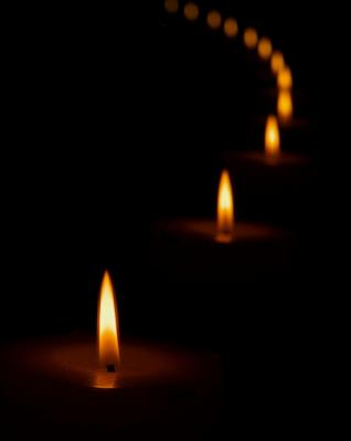 1_candle_7010.jpg