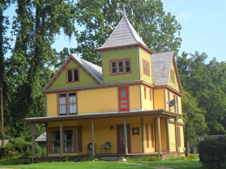 Gingerbread house Damascus, Virginia